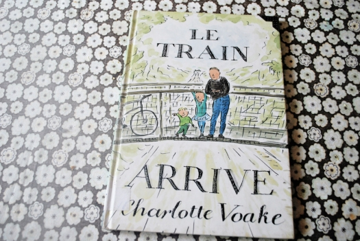 TrainArrive_01